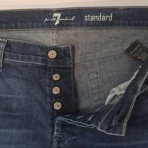7 FAM Button Fly Standard Straight 38